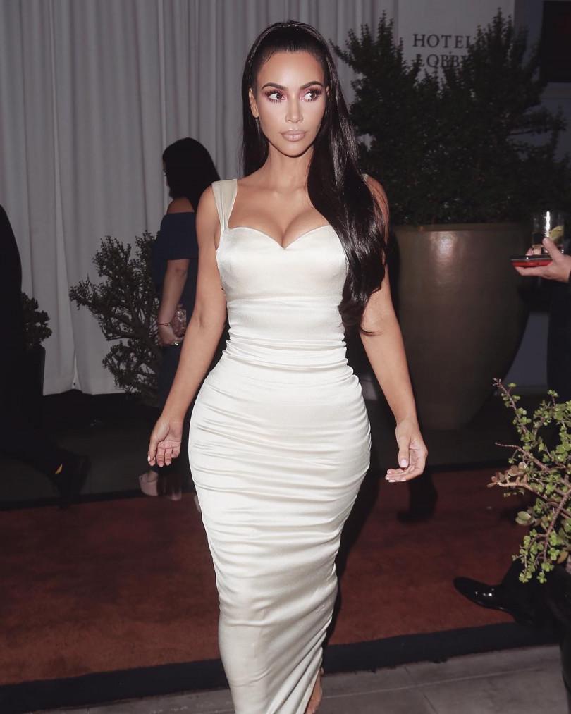 """Kim Kardashian """"width ="""" 650"""