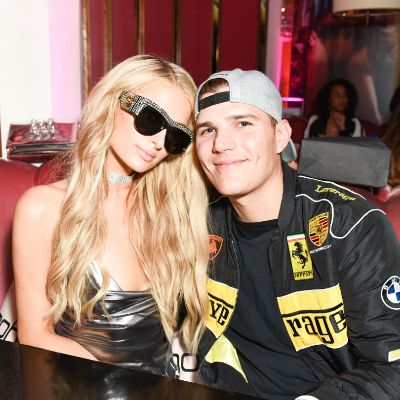 "Paris Hilton and Chris Zilka ""width ="" 810 ""height ="" 810"