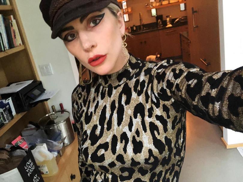 Леди Гага в леопардовом наряде