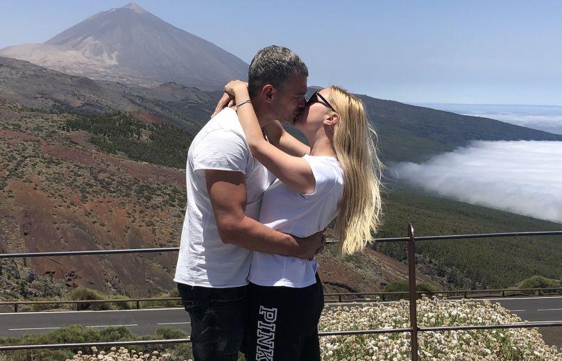 Тоня Матвиенко и Арсен Мирзоян отдохнули на Тенерифе