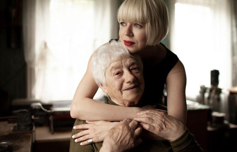 Ната Жижченко и ее бабушка