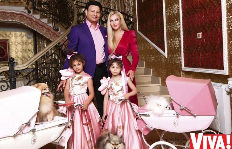 Камалия с мужем и дочками в журнале Viva!