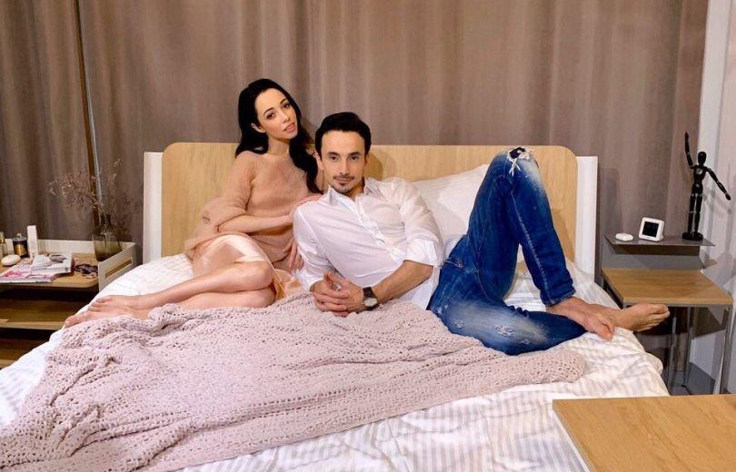 Екатерина Кухар и Александр Стоянов показали фото в честь 14 февраля 2020