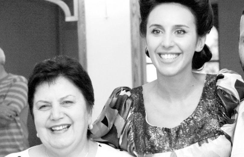 Джамала поделилась трогательными фотографиями со своей мамой