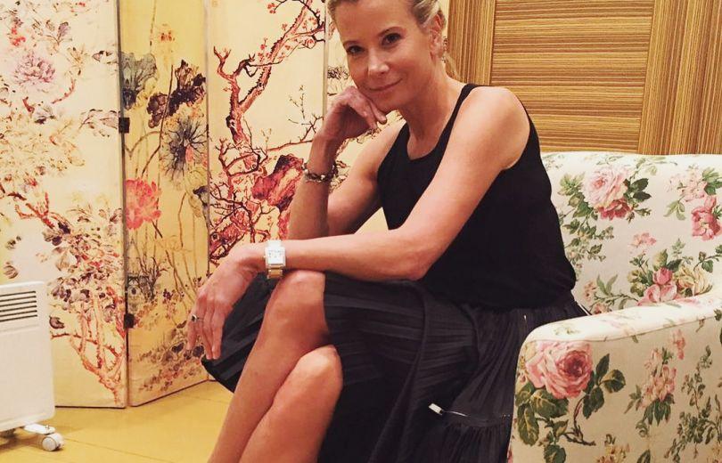Какие ноги! 44-летняя Юлия Высоцкая засыпала сеть снимками в мини-нарядах