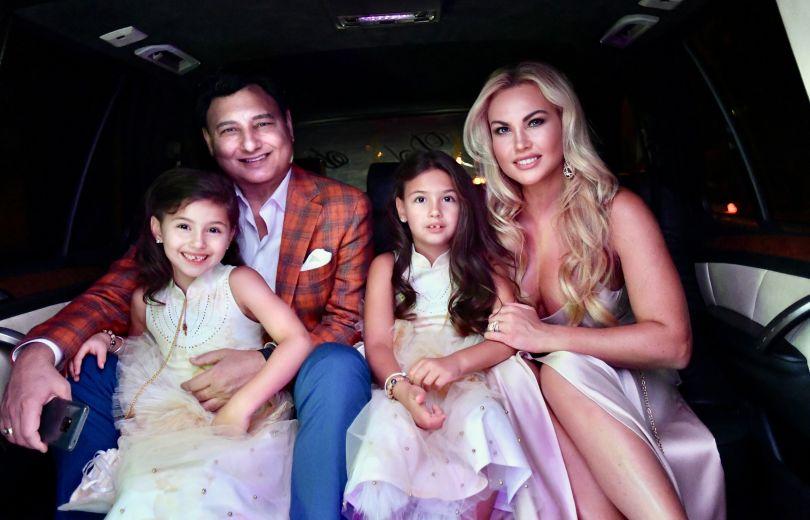 Камалия и ее муж Мохаммад Захур с детьми
