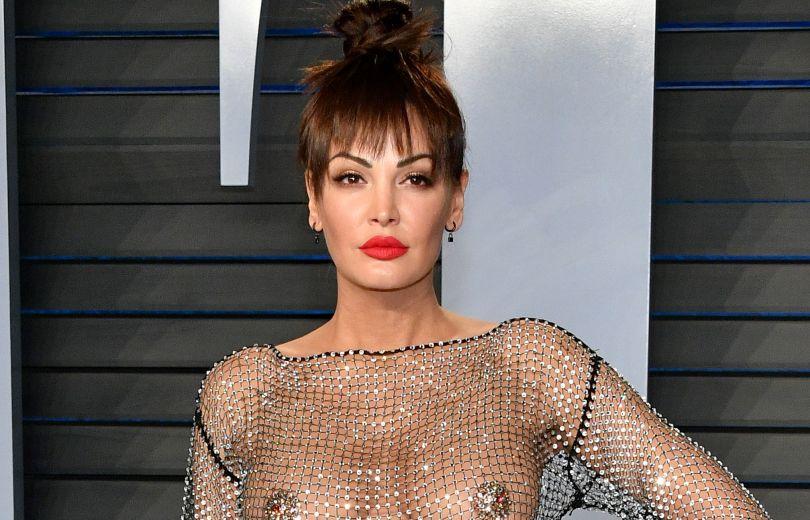 """Самый откровенный наряд """"Оскара"""": певица Блеона Керети показала голую грудь в прозрачном платье"""