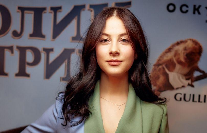 Солистка группы ВИА Гра Анастасия Кожевникова на премьере мультфильма Кролик Петрик