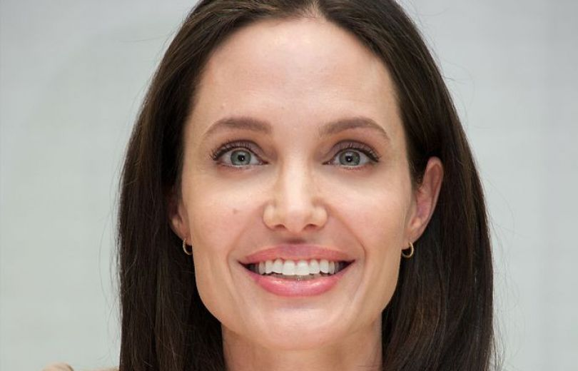 Анджелина Джоли - самая красивая женщина в мире, которая радуется морщинам