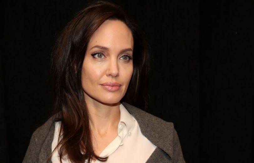 Анджелина Джоли госпитализирована анджелина джоли новости