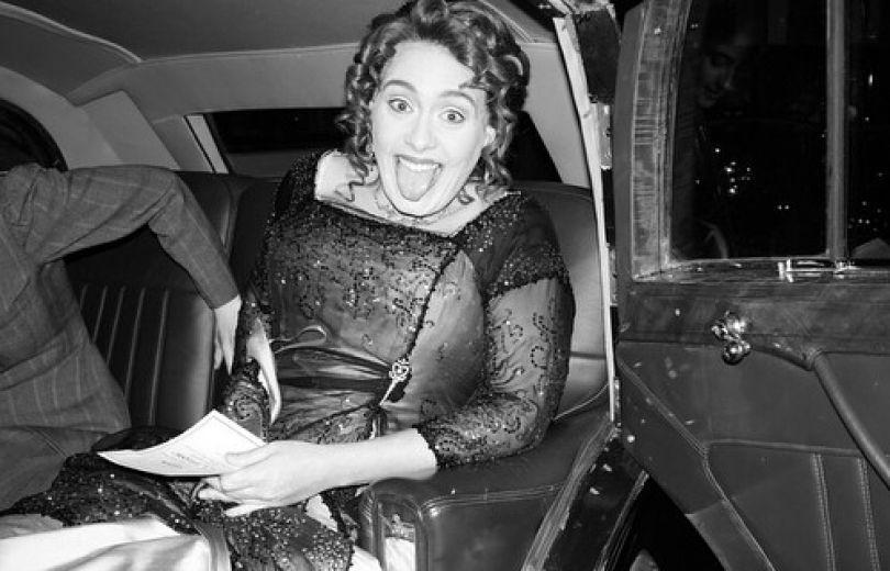 Адель закатила вечеринку встиле киношедевра «Титаник»