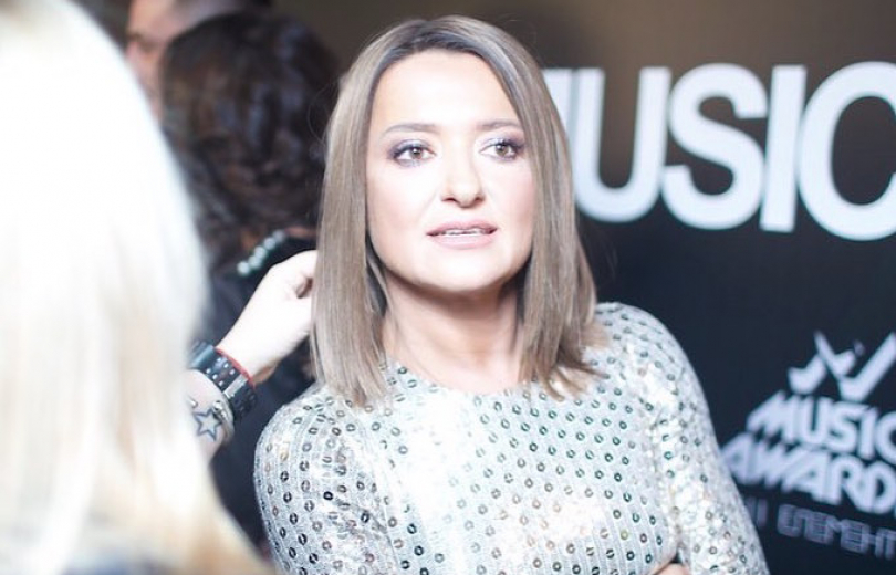 Конфуз на сцене: Наталье Могилевской во время выступления выключили звук