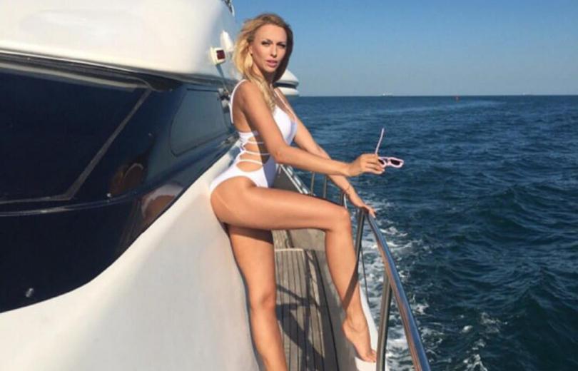 Оля Полякова на отдыхе
