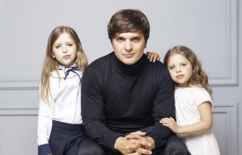 анатолич с дочками