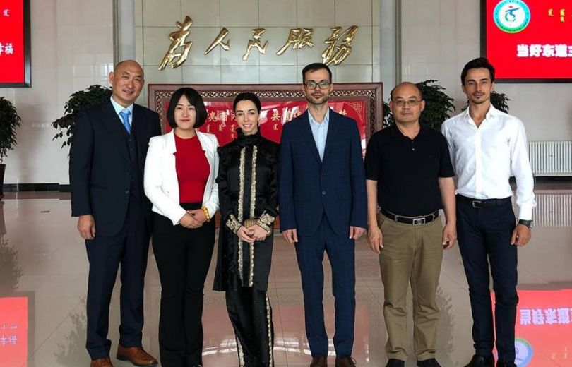 Александр Стоянов и Екатерина Кухар слетали в Китай на встречу с правительством