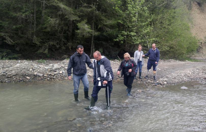 Участники проекта Viva! Переможці посетили карпатские водопады