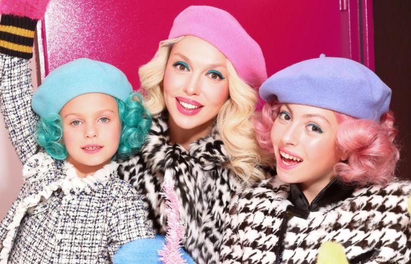Оля Полякова с дочками
