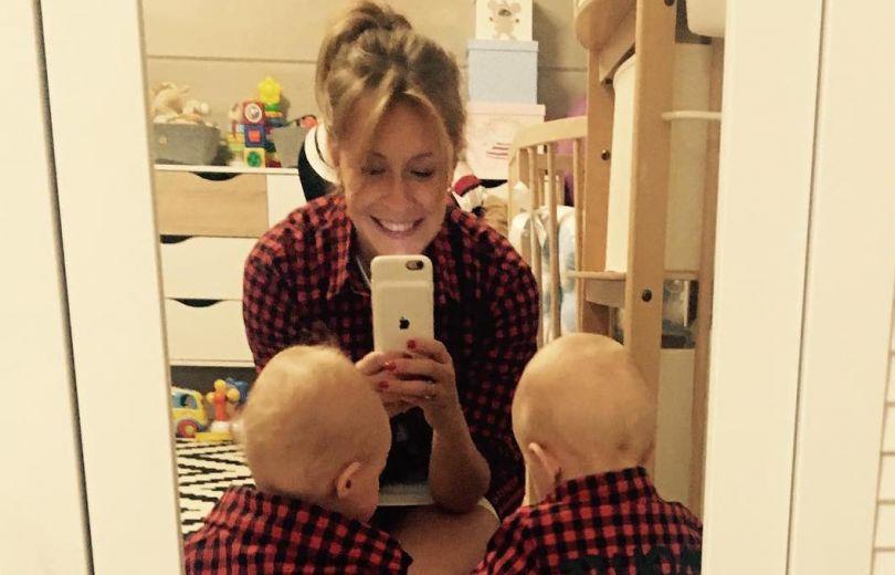 Елена Кравец поделились милым фото подросших двойняшек