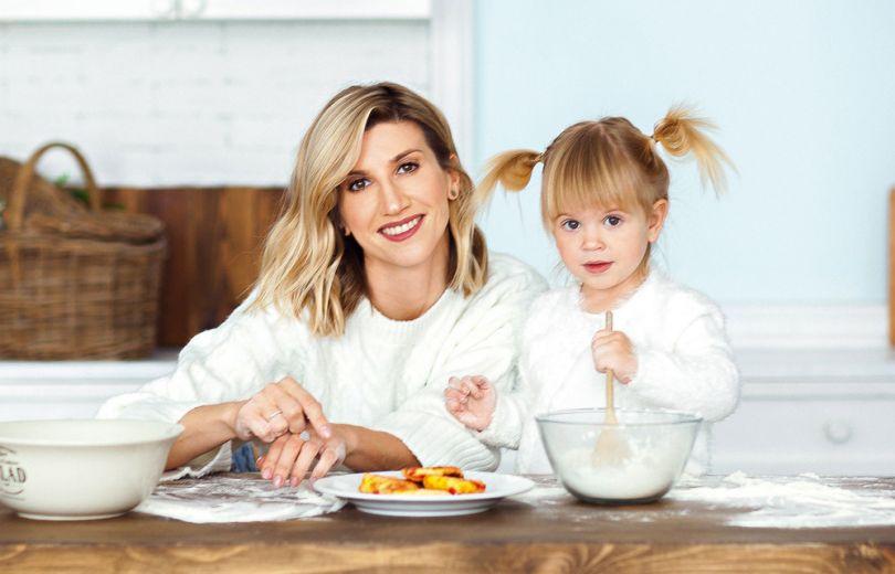 Анита Луценко с дочерью Мией в фотосессии Viva!