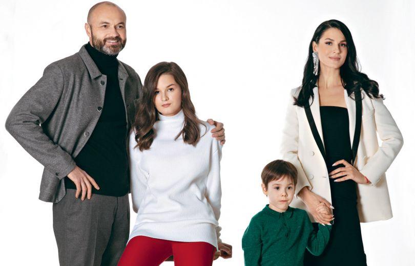 Маша Ефросинина с семьей в журнале Viva!