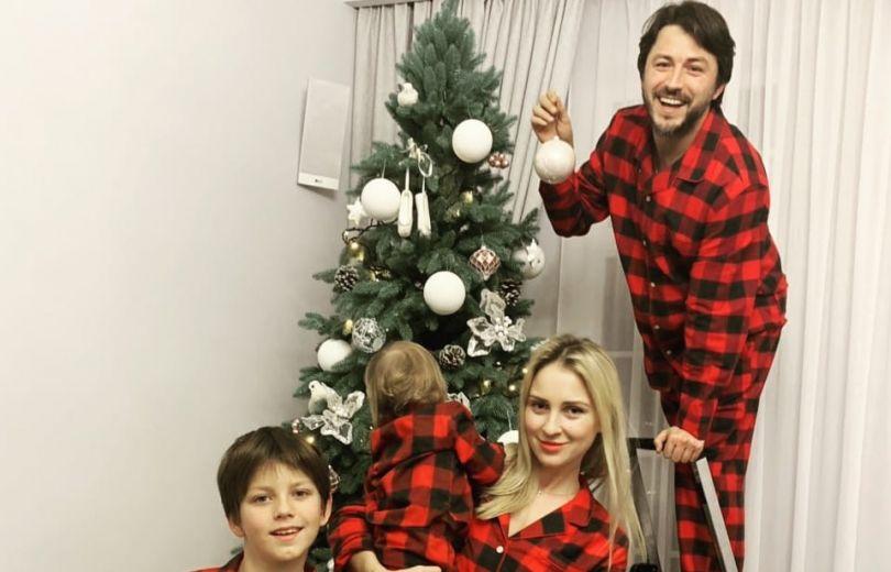 Сергей Притула с женой и детьми