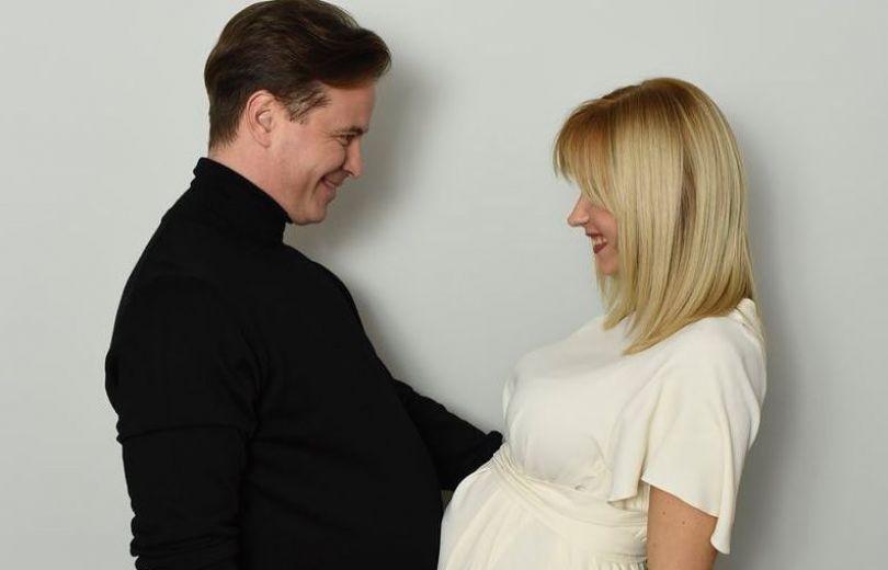 """Вот-вот родит! Лилия Ребрик восхищает снимками с """"беременным"""" животом"""