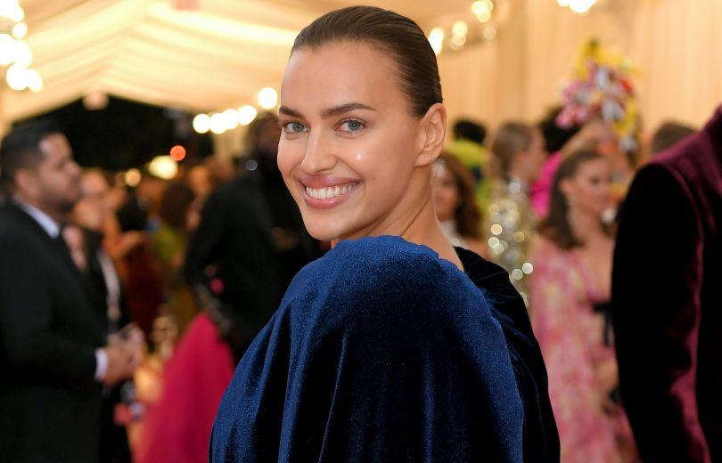 Ирина Шейк в Burberry на Met Gala 2019
