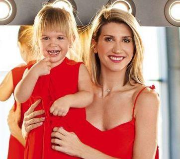 Анита Луценко и ее двухлетняя дочь