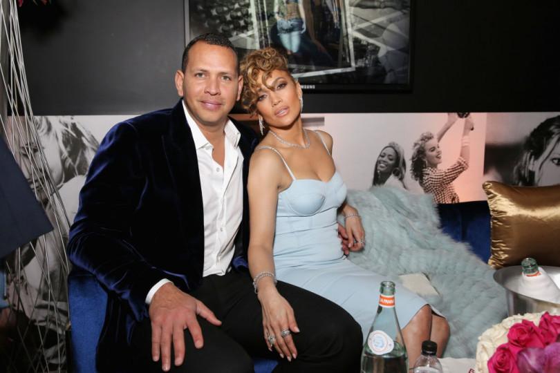Дженнифер Лопес впервые за долгое время вышла в свет со своим любимым: фото влюбленных