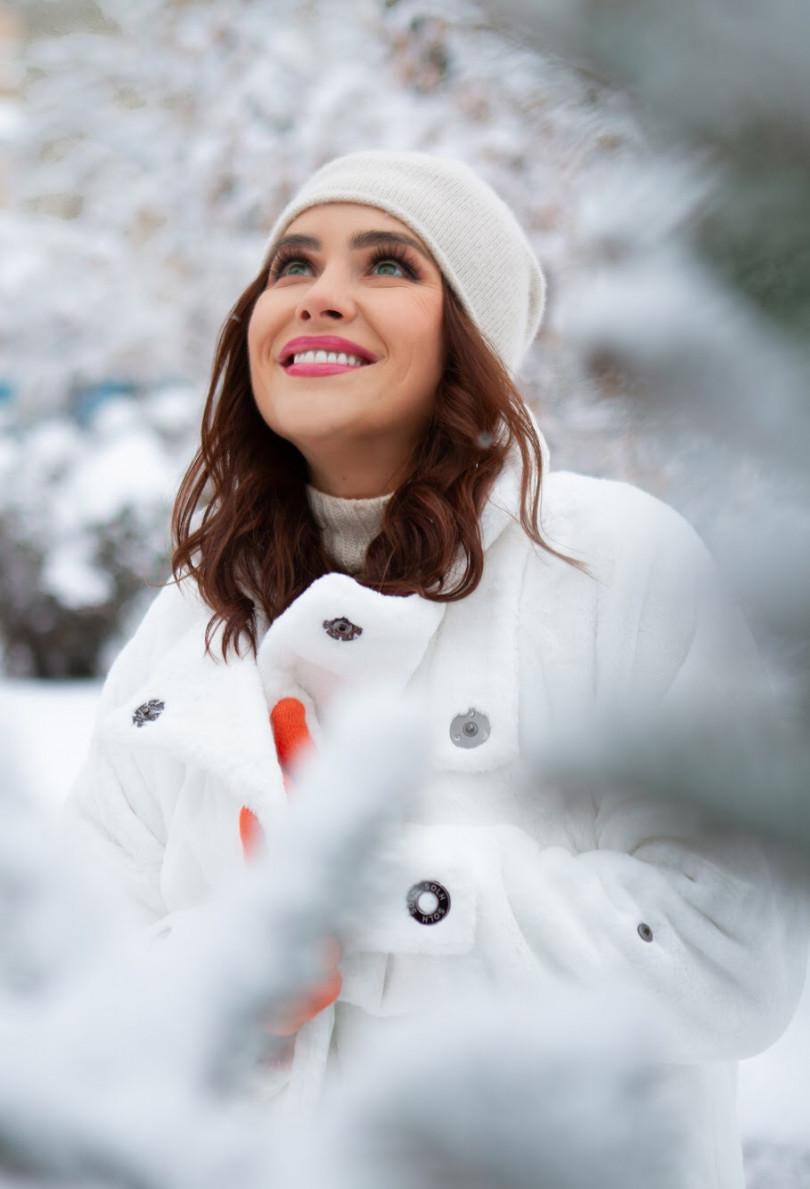 Смотреть Маша Ефросинина собрала новогодние подарки для детей из зоны АТО видео