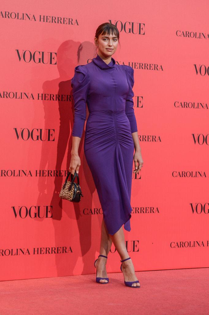 Ирина Шейк в неудачном платье фото