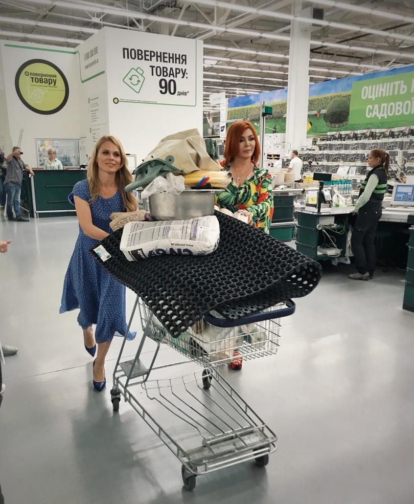 Ирина Билык и Ольга Фреймут пошли на шопинг
