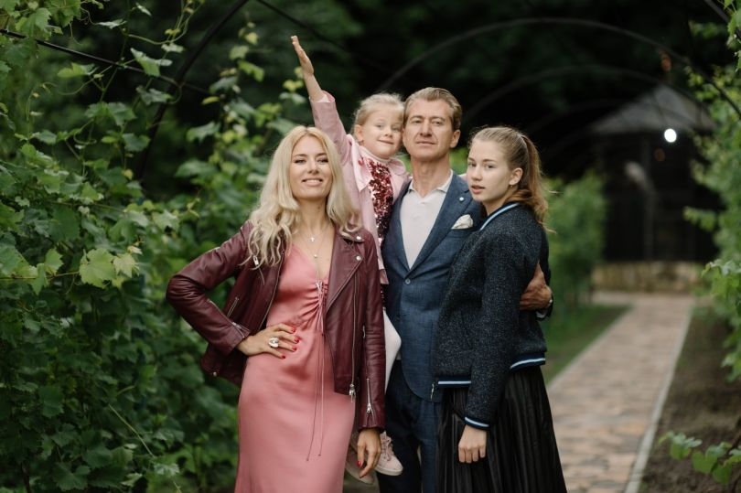 Ольга Горбачева с мужем и детьми