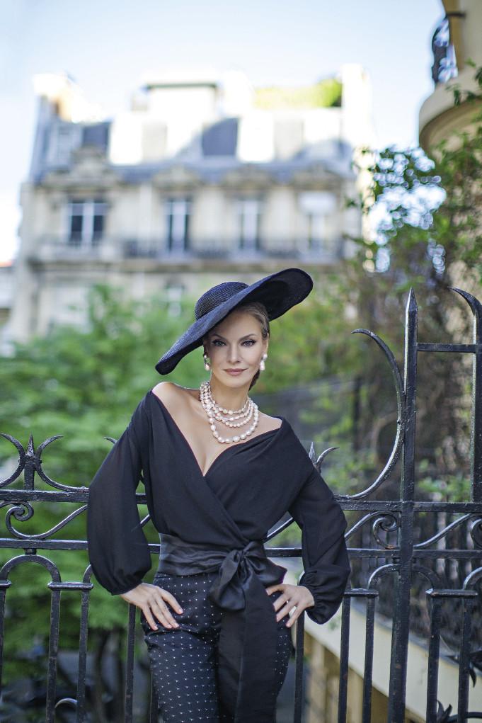 Наталья Окунская в Париже
