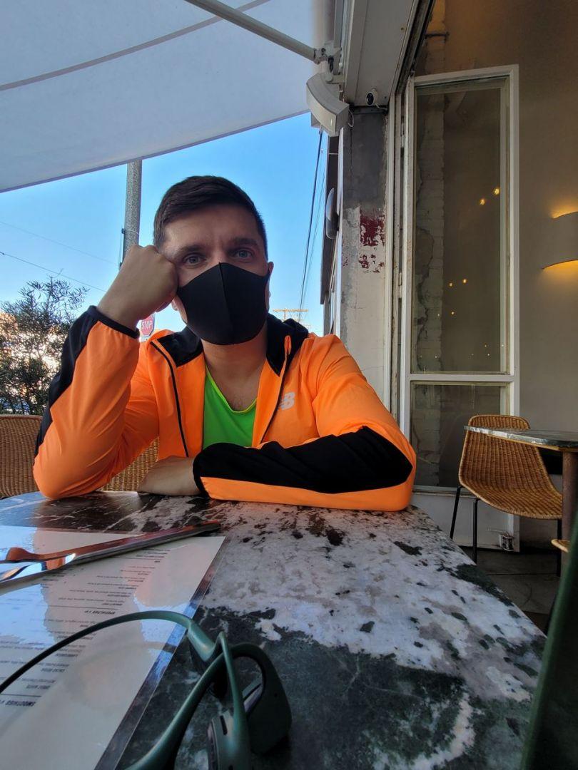 Анатолий Анатолич в маске от коронавируса