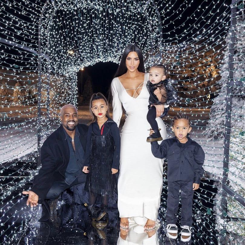 Ким Кардашьян готовится стать матерью в 4-й раз