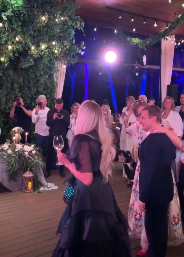 Оля Полякова на свадьбе Потапа и Насти Каменских